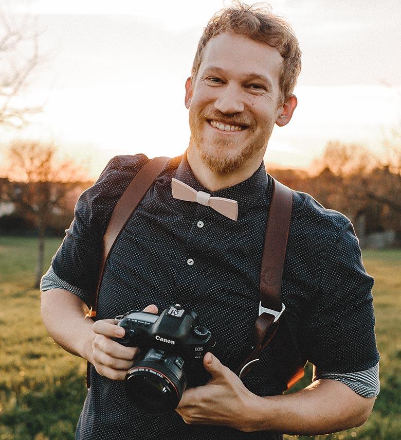Tim Kurth ist Fotograf für dokumentarische Familienreportagen asu Bergisch Gladbach